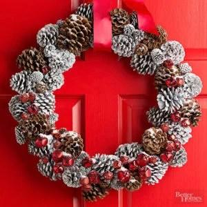 wreath-pinecones-red
