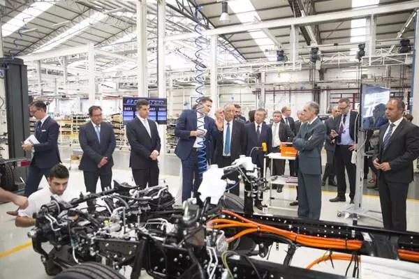 Daimler demareaza productia FUSO eCanter