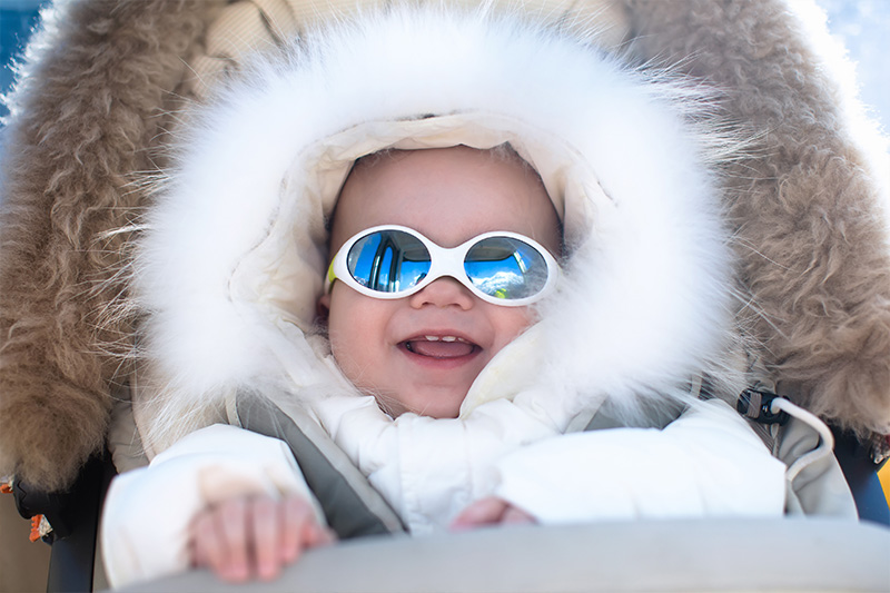 why children should wear sun glassed during the winter