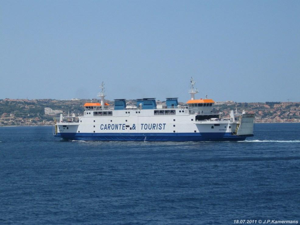 De Acciarello zet koers naar Messina.