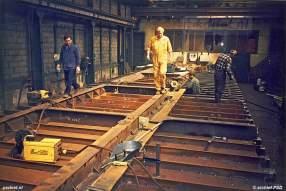 De deuren op het bovenste rijdek waren 7,5 meter breed en 90 cm hoog. In Italië zijn ze gedemonteerd om gewicht te besparen.