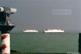 Jarenlang een vertrouwd gezicht: twee witte veerboten tussen Vlissingen en Breskens.