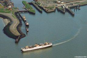 Luchtfoto Beatrix in de Buitenhaven