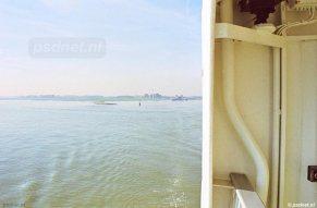Het zicht op de Westerschelde vanaf de PSD-veerboot Prinses Juliana van de veerdienst Kruiningen-Perkpolder.