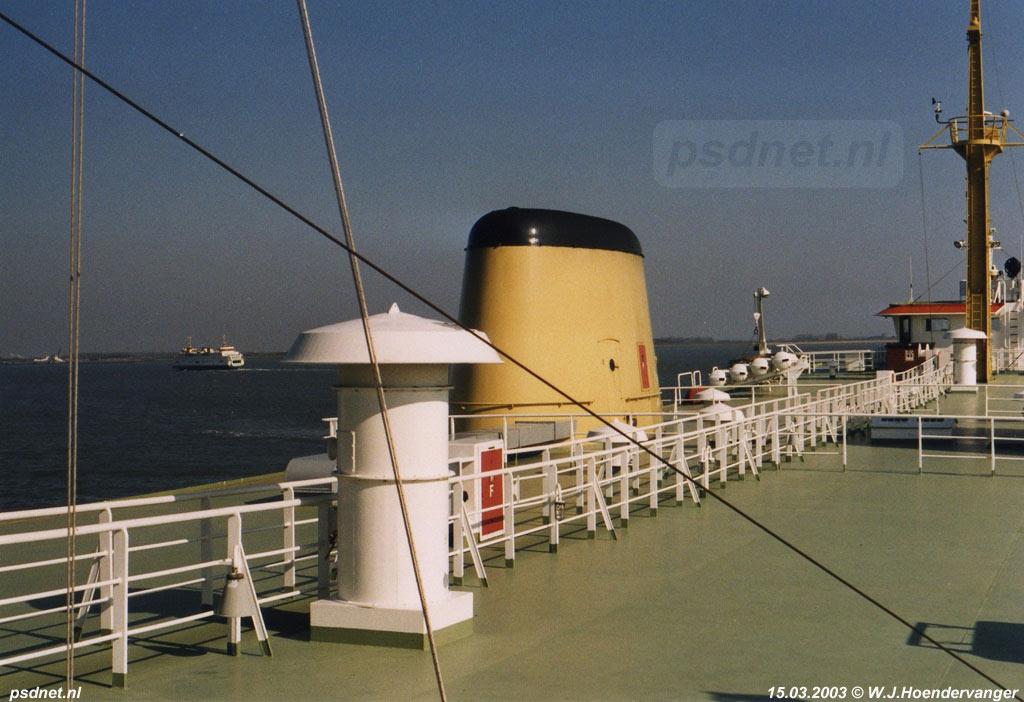 Het schoorstenendek van de Prins Willem-Alexander, de veerboot die van 1970 tot 2003 de veerdienst Kruiningen-Perkpolder onderhield.