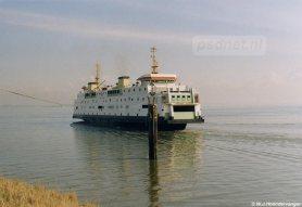 Vaak kreeg de veerdienst Kruiningen-Perkpolder de 'afdankertjes' van Vlissingen-Breskens, een patroon wat werd doorbroken met de bouw van de eerste twee dubbeldeksschepen. Toch krijgt de oostelijke veerdienst in 1997 nog eenmaal een veerboot van Vlissingen-Breskens: de Prinses Juliana.