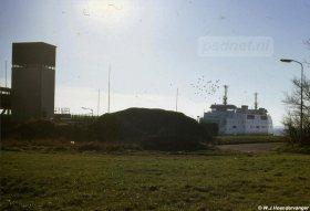 De aankomst van de veerboot uit Perkpolder (Zeeuws-Vlaanderen) in Kruiningen (Zuid-Beveland).