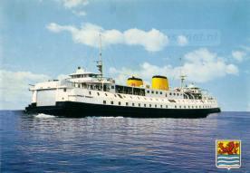 Een ansichtkaart met daarop een staatsieportret van de PSD-veerboot Prinses Margriet (1964).