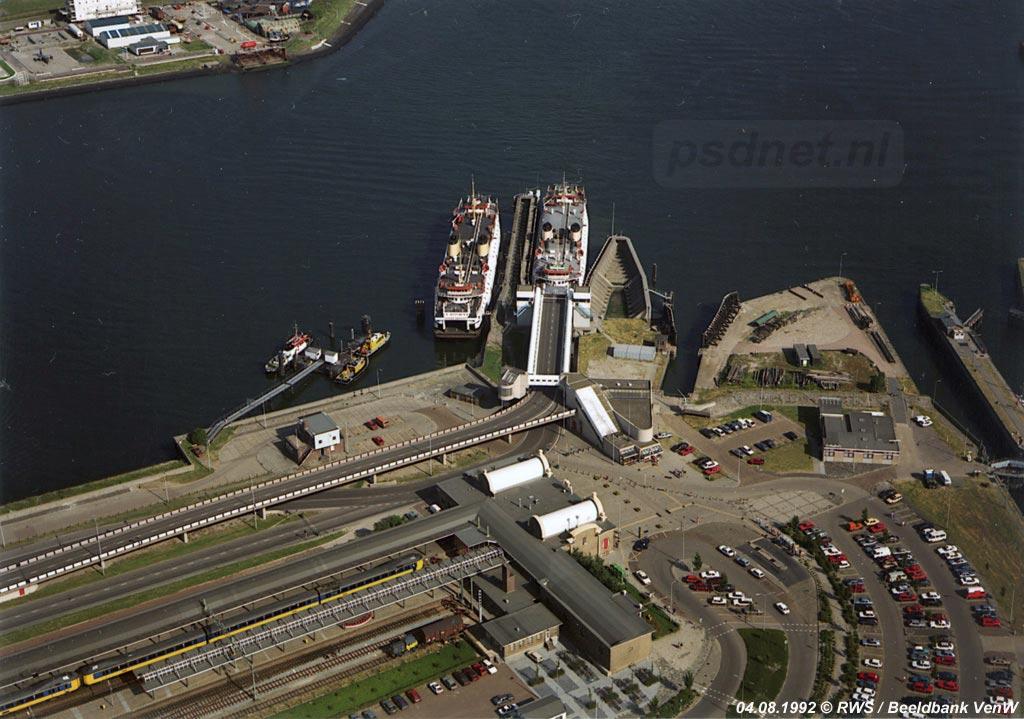 We schrijven 1992, de nadagen van de enkeldeksveerboten in Zeeland. Oude tijden herleven als de Prinses Beatrix en Prinses Margriet samen in de vaart zijn op Vlissingen-Breskens.