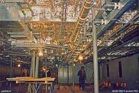 Tijdens de bouw werd de salon voorzien van isolatie en brandwerend materiaal.