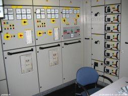 Bedieningspanelen voor de hulpgeneratoren van de Zeeuwse dubbeldekker Prins Johan Friso.