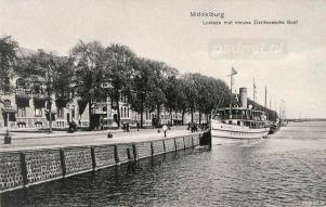 De witte Schouwen aan de Loskade in Middelburg
