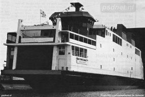 Op 31 augustus 1993 doopt het Nederlandse staatshoofd Beatrix de veerboot Koningin Beatrix. Na de doop is het tijd voor de stapelloop, ofwel de 'uitvaring' uit het bouwdok.