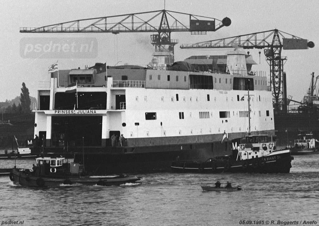 Op 5 september 1985 vonden de doop en de tewaterlating van de Prinses Juliana plaats. Het Zeeuwse schip werd gedoopt door de voormalige koningin Juliana zelf, die ook de laatste beletselen wegnam.