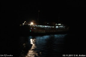 SMS Kartanegara - Nachtelijk vertrek uit Bakauheni