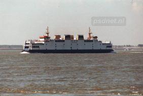 Zomer in Zeeland betekende vroeger drukte op de PSD-boot. Hier zien we een volle Koningin Beatrix (1993) naar Vlissingen varen.