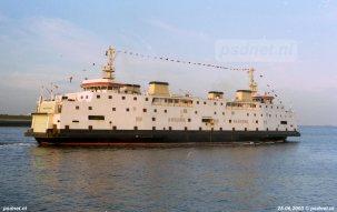 In de avondzon van 25 juni 2003 vertrekt de Amedeo Matacena (voormalige Prinses Juliana) naar Italië.
