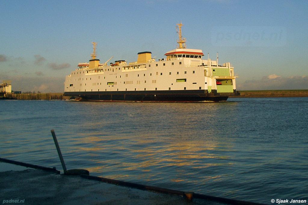 De PSD-boot Prinses Juliana gezien in de veerhaven van Kruiningen op een mooie wineravond in 2003