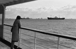 Een hoogtepunt tijdens de overtocht was het uitwaaien aan de reling van een van de PSD-veerboten en uitkijken over de Westerschelde. Tussen Vlissingen en Breskens passeerden de veerboten altijd een druk ankergebied.