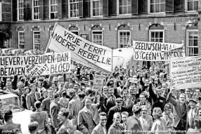 Een massaal protest op het Haagse Binnenhof was het hoogtepunt van de Zeeuwse strijd om vrije veren.