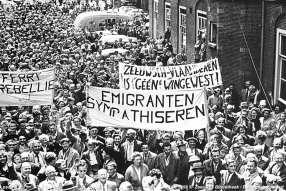 Vrije Veren - Mensenmassa op het Binnenhof