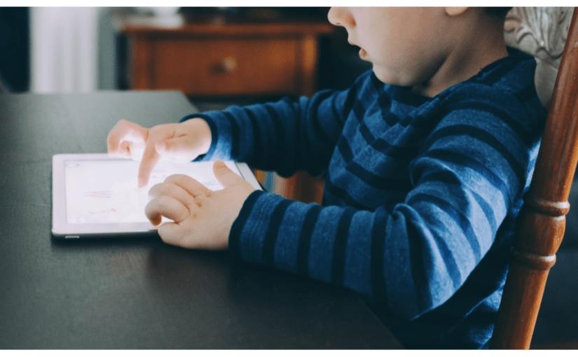 Los niños y las pantallas. Psicología infantil.