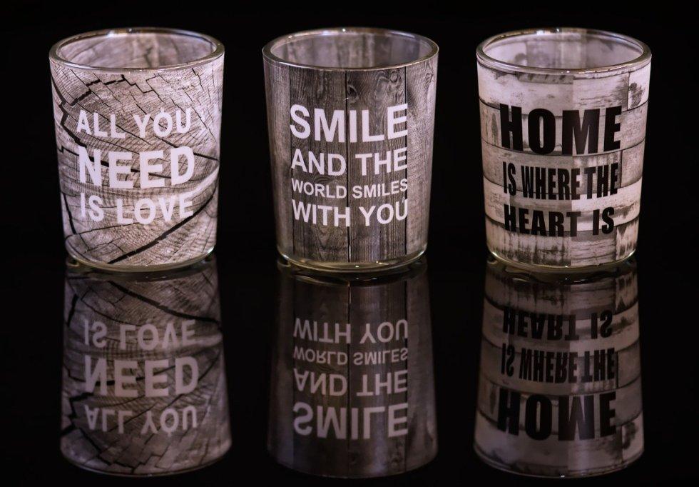 Gots i tasses amb frases motivacionals