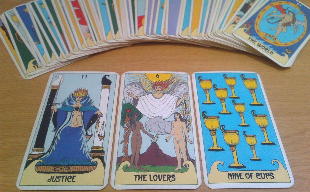 Tarot I Efecte Forer: Tirar Les Cartes No Funciona - Psicologia Flexible