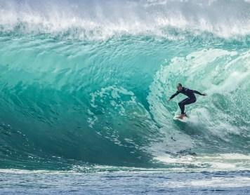 En la cresta de la ola: ¿Cómo aplicar la mentalidad del surf a nuestra vida?