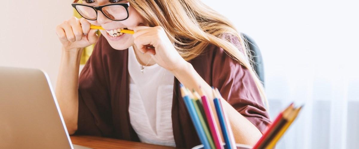 ¿Por que tus compañeros estudian siempre más que tu y cómo eso influye en tus exámenes?