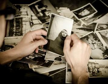 Las razones psicológicas de por qué no nos gusta cómo salimos en las fotos
