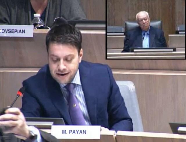 Benoît Payan dénonce le projet de piscines privées, «pour les cadres» à 12€ l'entrée.