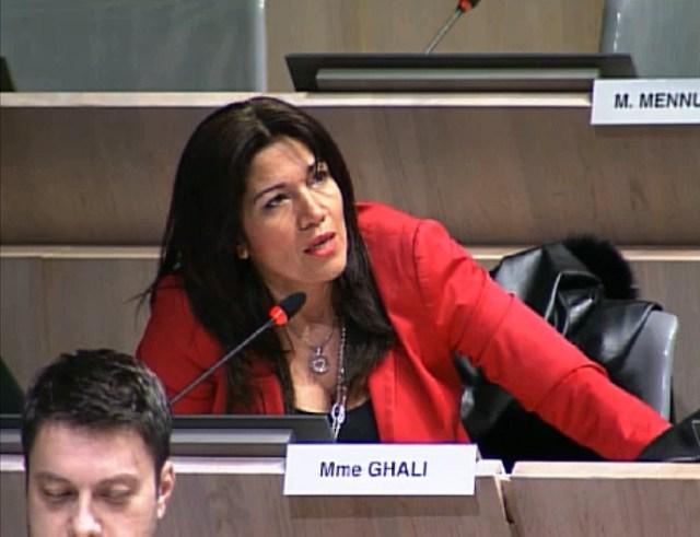 Samia Ghali dénonce la situation des écoles à Marseille.