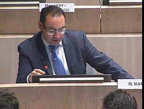 800 000 euros d'indemnités pour les candidats non retenus sur la DSP des piscines le groupe socialiste propose de diminuer de moitié