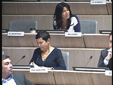 Samia Ghali intervient sur la situation du marché aux puces