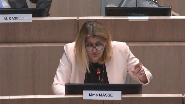 Florence Masse s'interroge sur le coût du Red Bull Crashed Ice pour les finances publiques
