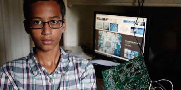 Teachers Mistake Muslim Student's Invention for a Bomb
