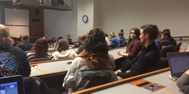 College Democrats Show Remorse, Perseverance in First Meeting Since Election