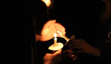 UPUA, with Moving Candlelight Vigil, Honors Penn State Students Who Passed Away This Year