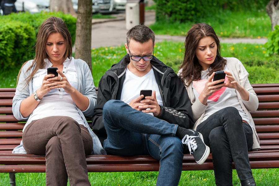 https://i2.wp.com/www.psychalive.org/wp-content/uploads/2015/01/cell-phone-addiction.jpg