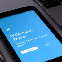 How Twitter Can Help Therapists Avoid the Danger of a Single Story