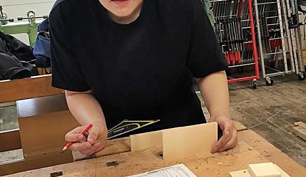 2019_05_09: Samuel Eisenberger beim Landesbewerb Holz/Bau
