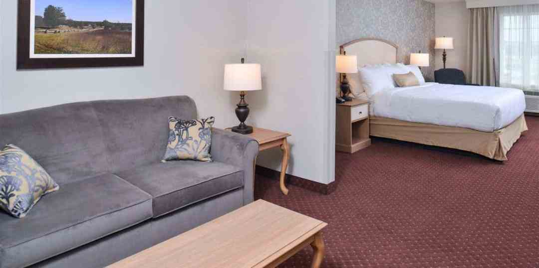 Appomattox Inn & Suites | Appomattox, VA 10