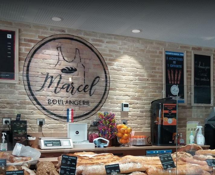 declinaison-logo-boulangerie-marcel en tag mural