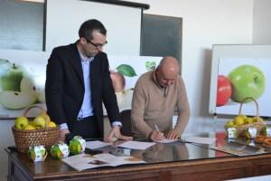 Mário Rodrigues e José Osório na assinatura do protocolo