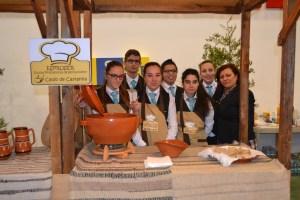Alunos da Escola Profissional de Sernancelhe levaram o Caldo de Castanha ao certame/Foto: Salomé Ferreira