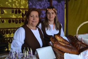 Ana Romualdo (direita), Comerciante / Foto: Salomé Ferreira