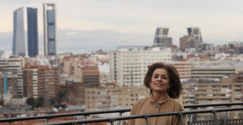 La alcaldesa de Madrid, Ana Botella, el pasado martes, en la presentación de los nuevos usos y servicios turísticos del conocido como Faro de Moncloa,  para convertirse en el nuevo icono de la capital. EFE/Juan Carlos Hidalgo