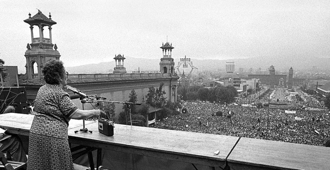 Frederica Montseny al míting de la CNT a Montjuïc el juliol de 1977.