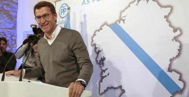 El presidente de la Xunta de Galicia, Alberto Núñez Feijóo, durante su intervención ante la junta directiva del Partido Popular de Galicia, donde comunicará su decisión de optar o no a un tercer mandato, esta mañana en un hotel de Santiago. EFE/Lavandeira